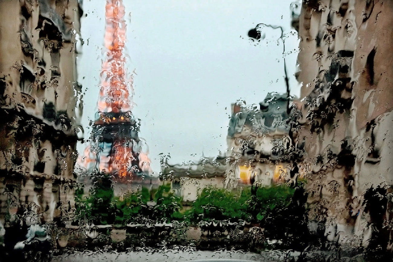 blurred eiffel tower Christophe Jacrot clementine de forton gallery